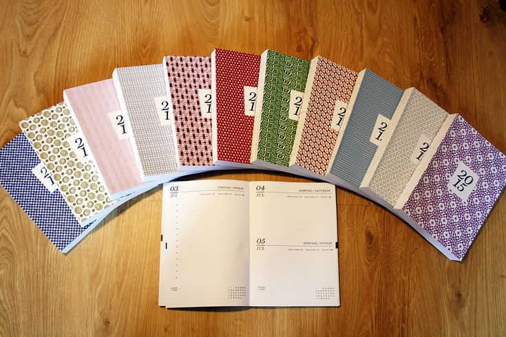 Handgebundene Tageskalender & Notizbücher