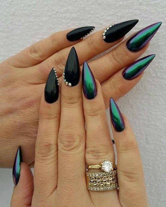 Stiletto Nails Nail Color Ideas Black Green Chrom Nail Polish Crystals Diamond Golden Rings In 2020 Black Nail Designs Rhinestone Nails Green Nails