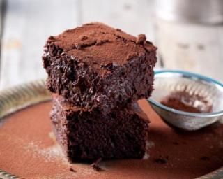 Brownies noisette-Nutella© sans beurre : http://www.fourchette-et-bikini.fr/recettes/recettes-minceur/brownies-noisette-nutellac-sans-beurre.html