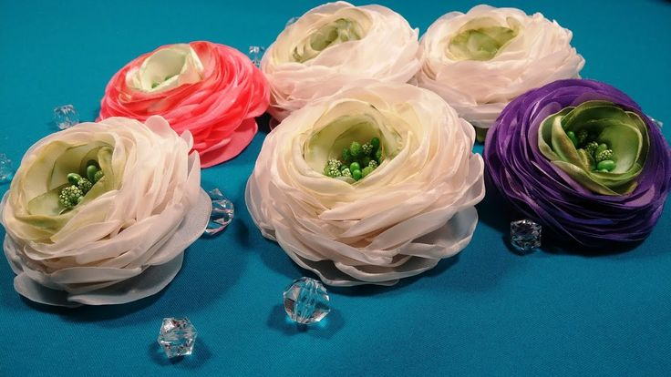 Ranunculus of fabric or ribbons/Ranunculus de tela o cintas/Ранункулюс и...