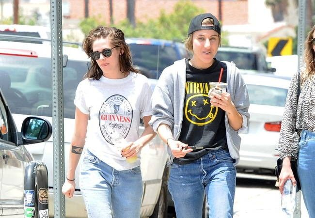Kristen Stewart's mum: 'I never suggested my daughter is gay in interview'
