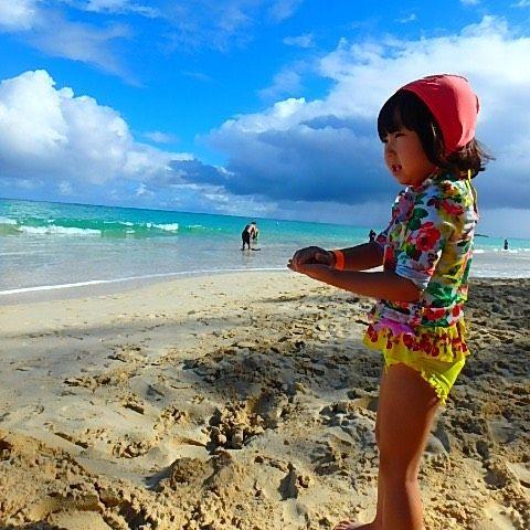 【ayako.1222】さんのInstagramをピンしています。 《 ‥ ‥ #daughter #sea #kailua #hawaii #hawaiitrip #vacation #trip #travel #beach #kailuabeach #swimwear #sand #カイルア #カイルアビーチ #水遊び #砂遊び #ハワイ #ハワイ旅行 #海 #エメラルドグリーン #aya_hawaiimemories》