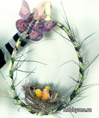 Пасхальный венок из веток с гнездом