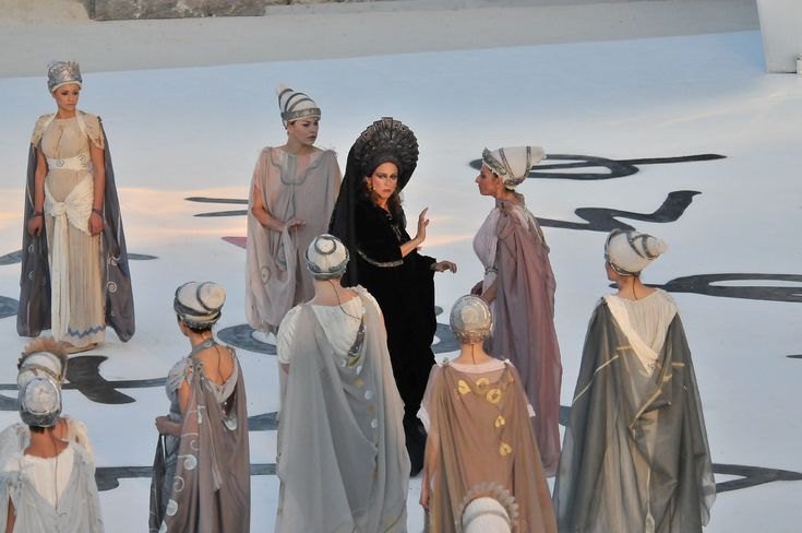a literary analysis and a comparison of electra by euripides and sophocles In total, sophocles wrote 123 dramas for the festivals since each author who was chosen to enter the competition usually presented four plays, this means he must have competed about 30 times sophocles won perhaps as many as 24 victories, compared to 13 for aeschylus and four for euripides, and indeed he may have.