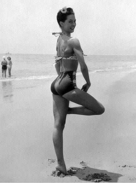 Cyd Charisse. MeeeOW!