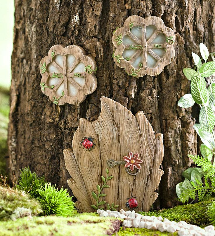 Miniature Fairy Garden Daisy Door Tree Accent | Miniature Fairy Gardens