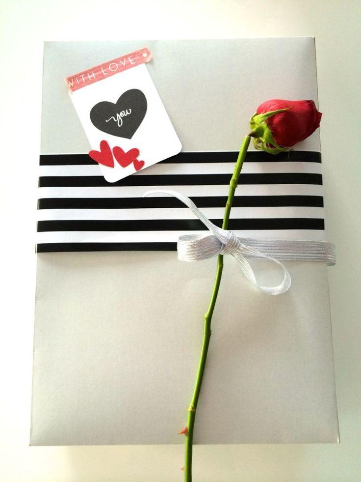 Ideas súper rápidas para forrar regalos para hombres, ver más aquí: http://vivescrapbook.com/forrar-regalos-para-hombres/