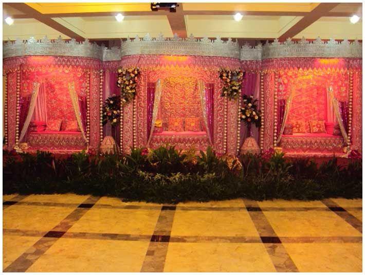 Soraya Wedding Organizer | Gallery Pelaminan.  Dengan nuansa pink