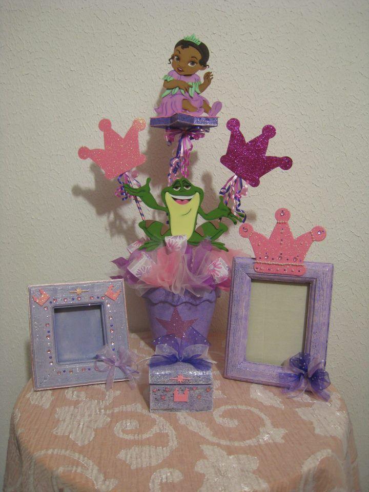 centro de mesa, para niñas figuras de fomy la princesa y el sapo