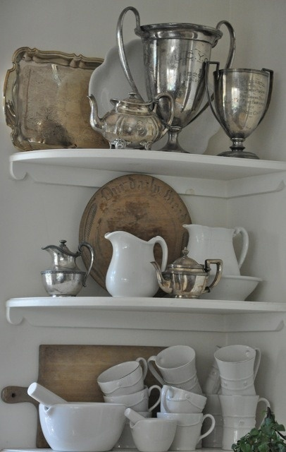 layeringDecor, Cutting Boards, Cut Boards, Vintage Metals, Display, White Dishes, Corner Shelves, Vintage Silver, Breads Boards