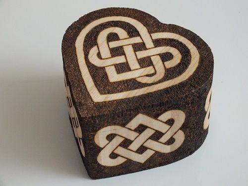 Celtic knotwork hearts box