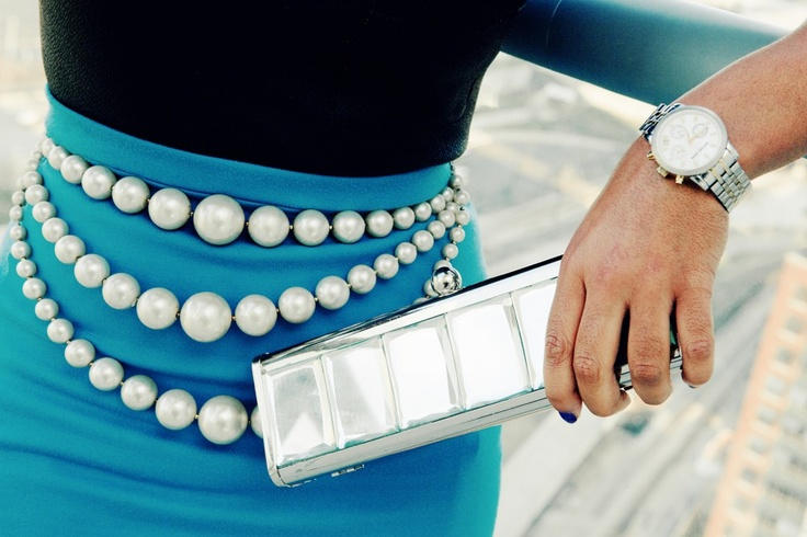 I'm in love with this idea.  It's a modern take on audrey hepburn's pearls Pearl Belt (possible DIY)