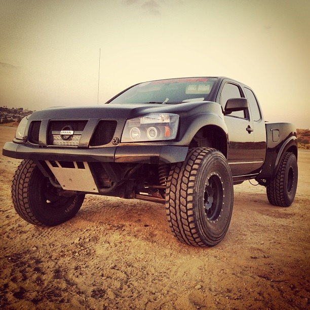2000 Nissan Frontier Lifted >> Nissan Titan prerunner | 4 x 4s | Pinterest | Nissan Titan, Nissan and Dreams