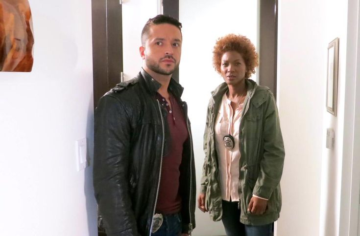 After a full day of murder and mayhem, that's a wrap on Day #3!  @jairodriguez @YolondaRoss @KissMeKillMovie