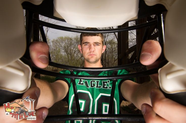 Football+Senior+Picture+Poses | High School Senior Football Player Please do not crop out my logo www ...