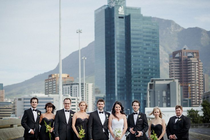 Beautiful city wedding, with Cape Town in the background. (photography: janib.co.za)