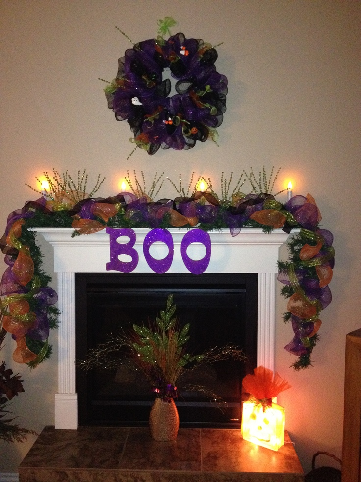 my halloween mantle at tx house 2012 using deco mesh - Deco Mesh Halloween Garland