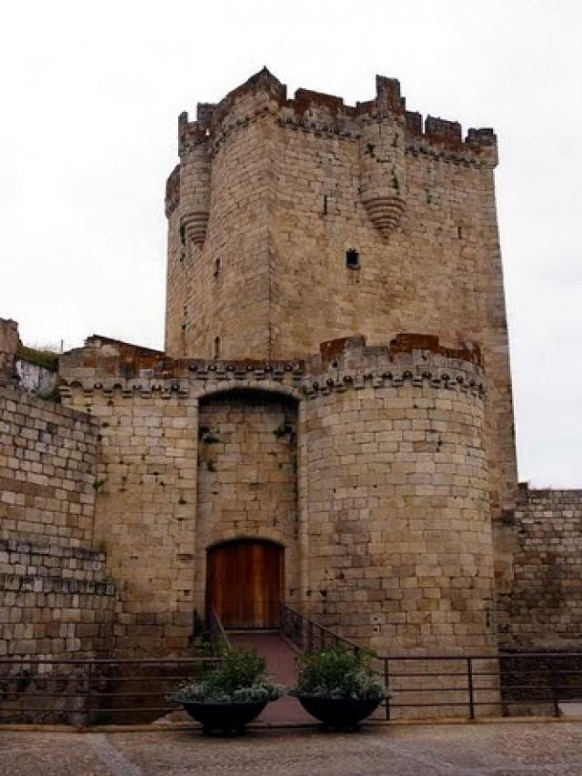Castillo de Coria (Extremadura)