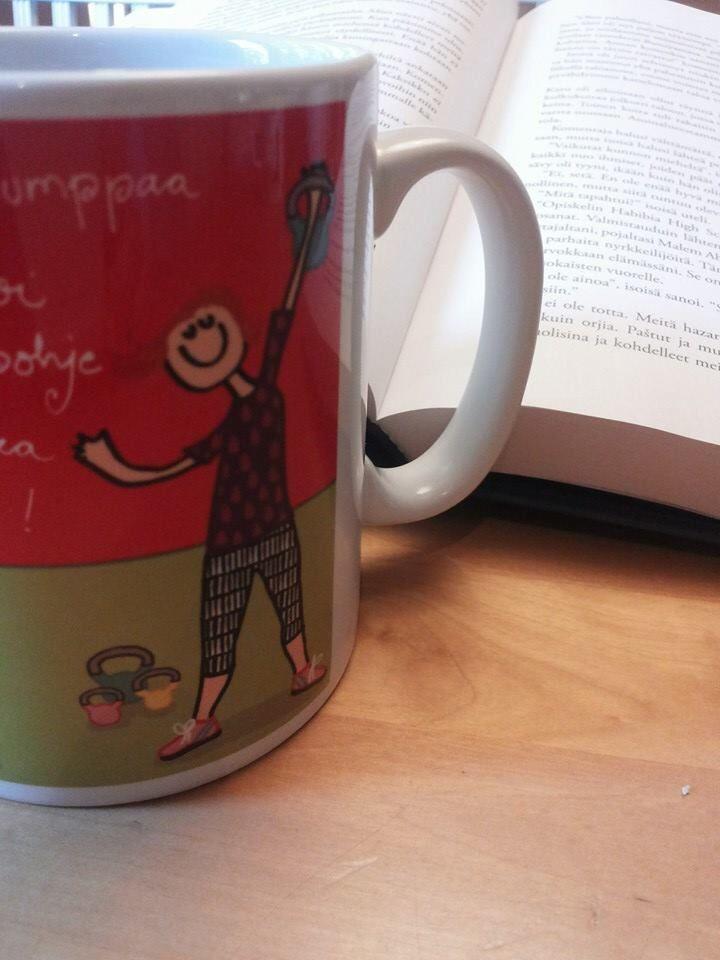 """""""Kirja ja kupilline  kahvia, lepohetki!"""" -Annemari S"""