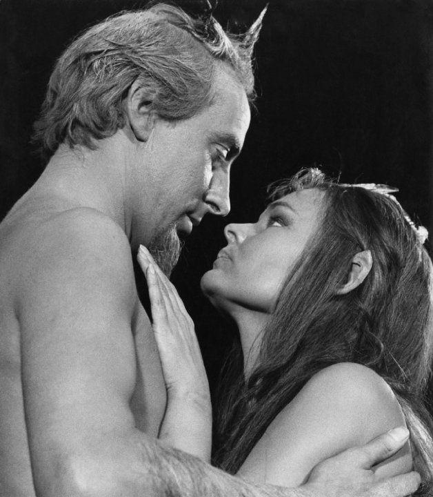 Judi Dench and Ian Richardson in A Midsummer Night's Dream (1968)