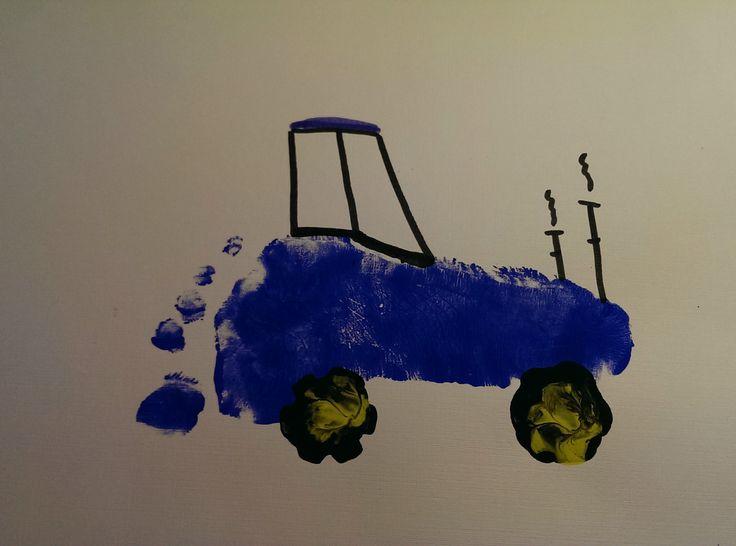 aus einem Fußabdruck einen Traktor gestaltet