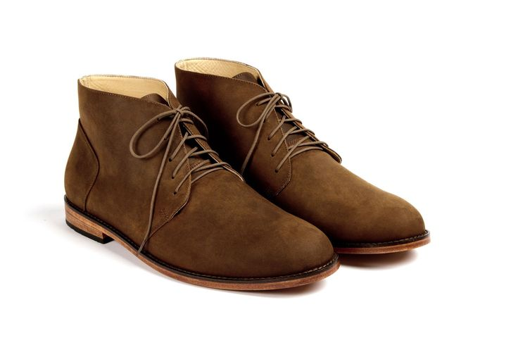 emilio chukka boots in oak color