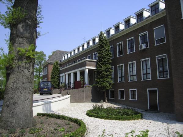 Heimerstein, Rhenen, Netherlands, www.jorissensimonettiarchitecten.nl