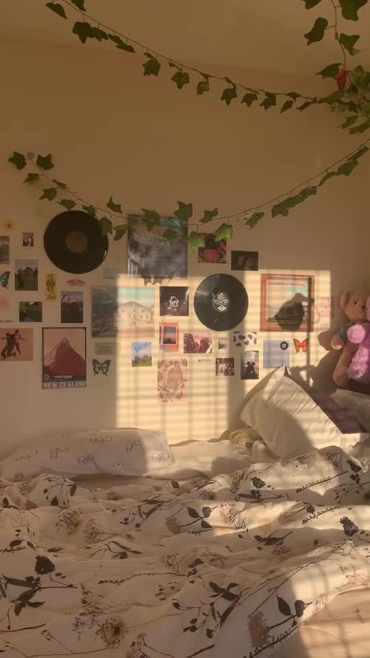 How To Create The Perfect Tiktok Inspired Bedroom Bedroom Inspirations Ways To Save Money Inspiration