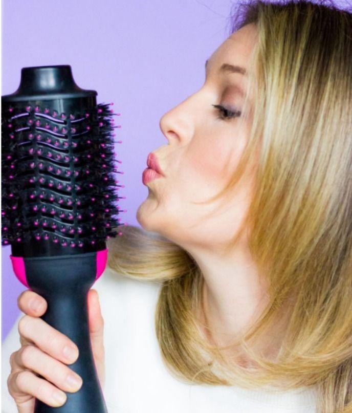 0cfb7d689a8330512fab28fb17f5ba54 - How To Get A Blowout Look With A Straightener