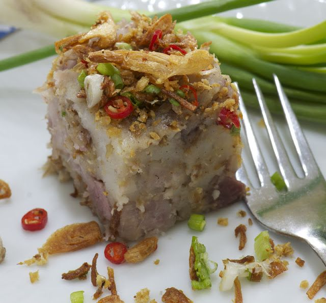 Indonesian Medan Food: Kue Keladi (Savoury Taro Cake )
