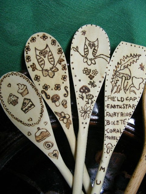 wood burning on spoons- NEED to try this- sooooo COOL