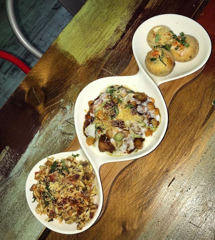 Beautiful mixture of Southern Indian street food  #dosa #puri #streetfood #stree…