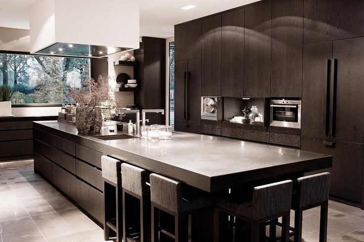 Perfecte match klassiek en modern. Bekijk meer fantastische interieurs op walhalla.com
