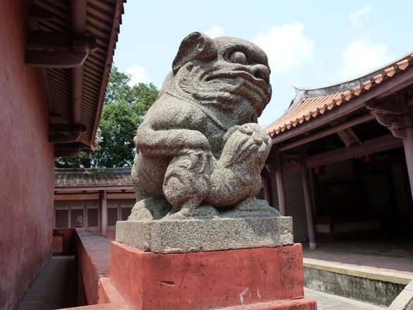 Stone lion guarding the Dacheng Hall at Tainan Confucius Temple.     #Taiwan #Tainan #Confucius