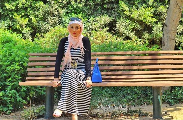 stripped maxi dress hijab look
