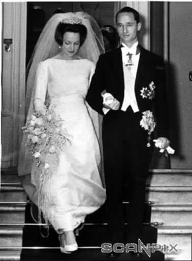 Holand - 1964 Princess Irene & Carlos Hugo of Bourbon-Parma
