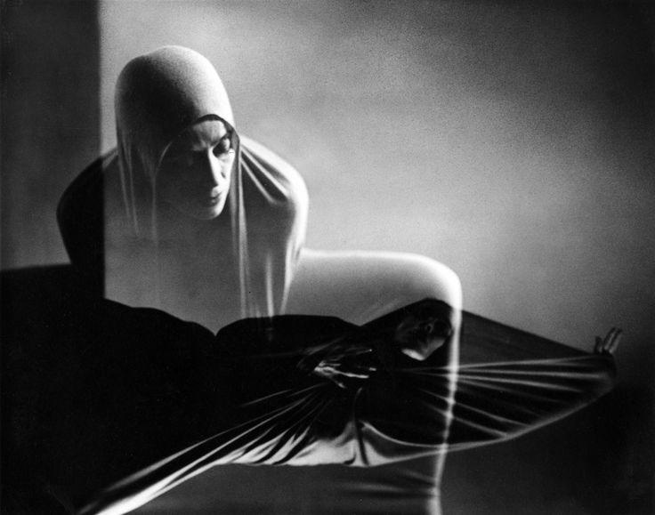 Barbara Morgan (Photographer) Martha Graham- Lamentation 1940  firsttimeuser:    Martha Graham-Lamentation byBarbara Morgan