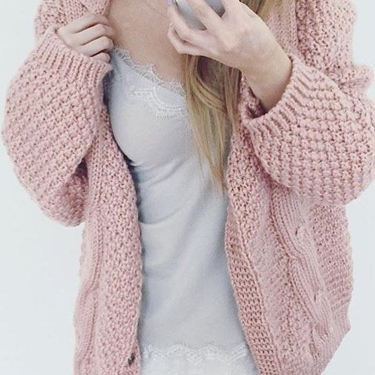 Simplicity is the key #lace #dress #styling #rosemundecph #simplicity #aluxuryfeelingeveryday #favourite #blogger #regram @styloly #fashion #rosemunde #softtones #grey