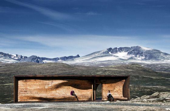El pabellón del Centro Noruego del Reno Salvaje en el parque nacional de Dovrefjell, proyectado por el estudio Snohetta. /  Ketil Jacobsen