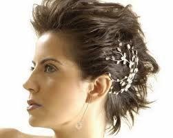 Resultado de imagem para penteado noivas cabelo curto