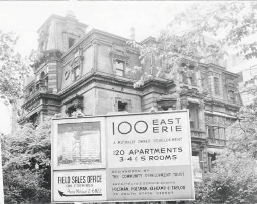 PHOTO - CHICAGO - CYRUS MCCORMICK MANSION - 675 RUSH STREET - SIGN FOR NEW APARTMENT BUILDING - 1953
