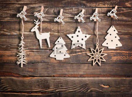christmas present card: vánoční dekorace na dřevěném stole, vánoční pozadí