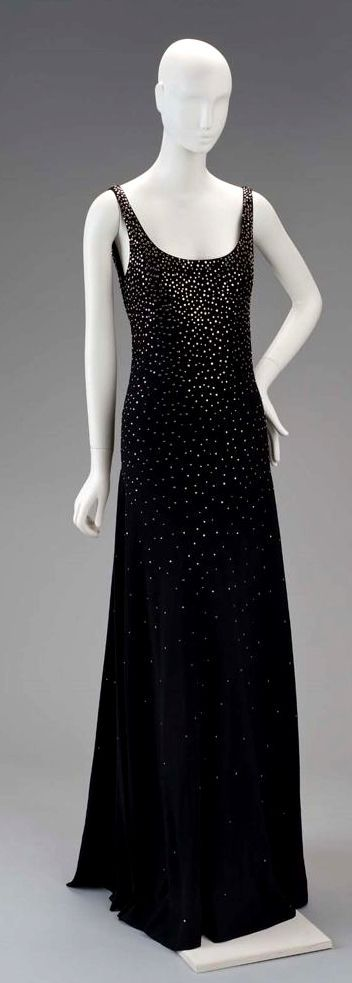 HISTORICAL 1980 FABULOUS DRESSES
