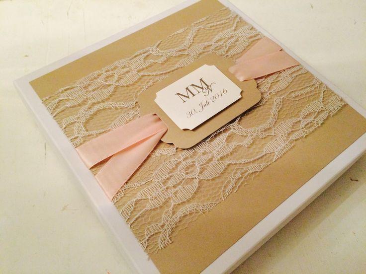 handgertigte Einladung zur Hochzeit, Einladung in einer edlen Schachtel, Spitze, Glanzpapier, Monogramm, Sandra Kolb, www.samey.de
