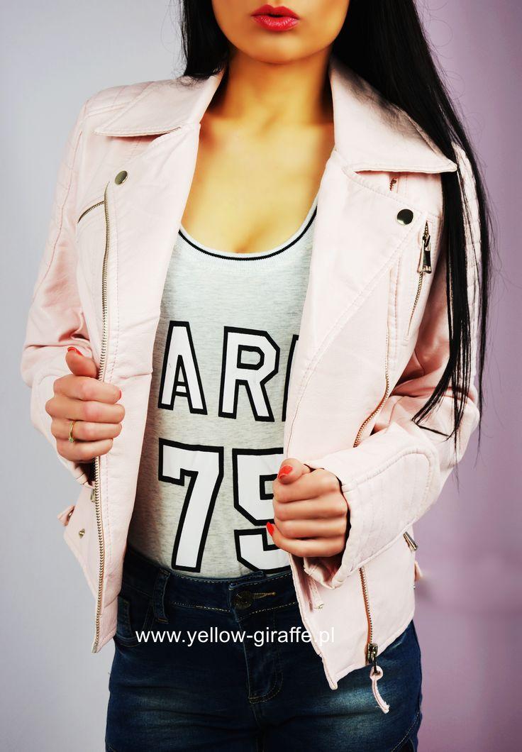 NOWOŚĆ 🆕  Skórzana ramoneska to niezaprzeczalny must have każdej fanki mody!  Dostępna w naszym sklepie internetowym ➡  Www.yellow-giraffe.pl 💜  #yellowgiraffepl #ramoneska #fashionista #polishgirl #ootd #instastories #instamood #glam #glamour #modnapolka #dodatki #skóra #kurtka #Pink #happy #butik #shopping