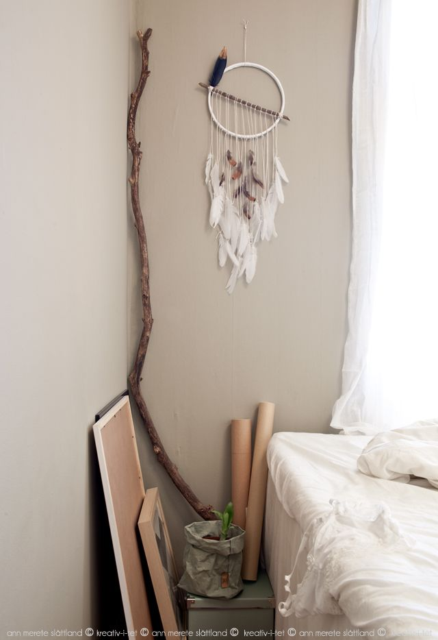 Homemade dream catcher in our bedroom - Kreativ-i-tet interior blog