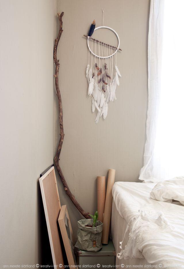 Homemade dream catcher in our bedroom - Kreativ-i-tet interior blog