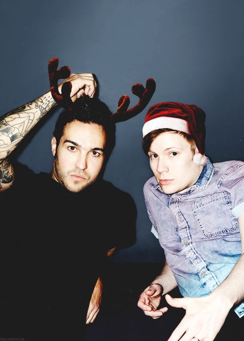 fall out boy christmas | 1k mine 5k pete wentz fall out boy Patrick Stump all:edit fob:all fob ...