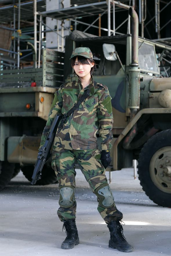 Not understand Japanese girls with airsoft guns shooting valuable message