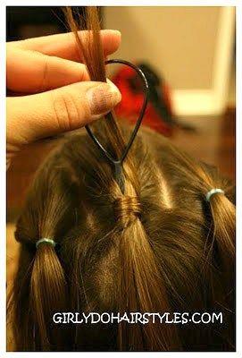 20 Topsy Tail Frisuren für jedes Alter | Mädchen Frisuren ...